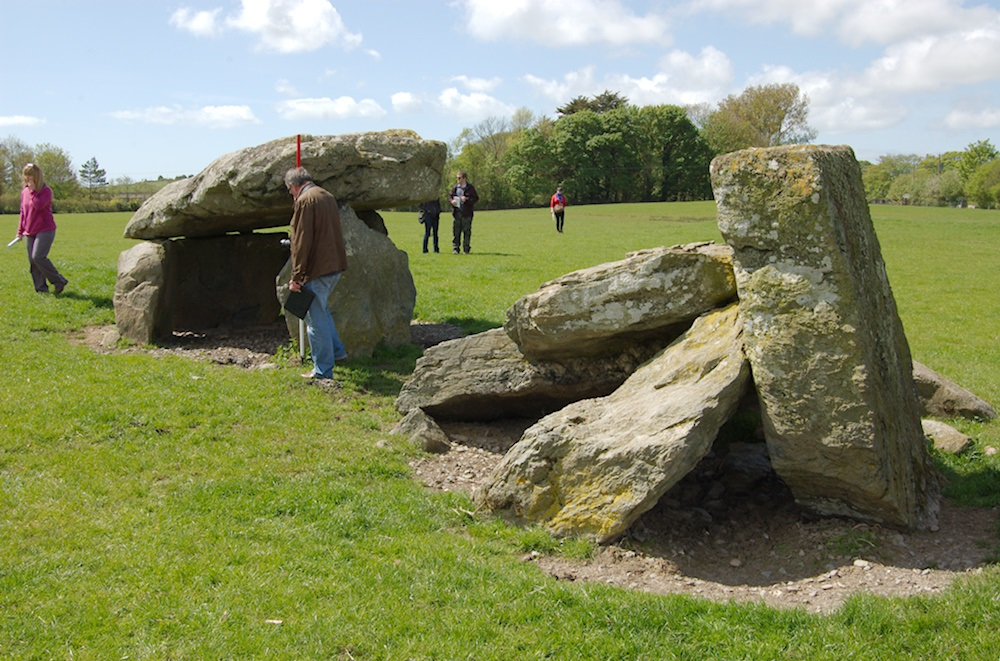 Photo of Presaddfed burial chamber